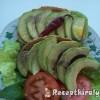 Bruschetta avokádóval salátalevéllel medvehagymával paradicsommal