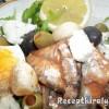 Saláta paradicsomos sprotnival tojással ruccolás bruschettával