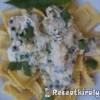 Húsos ravioli medvehagymás fehérboros sajtszósszal