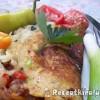 Sajtos omlett baconnel paradicsommal paprikával újhagymával