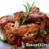 Sült csirkeszárny zöldségágyon