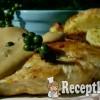 Csirkemell zöld-bors mártással, búzadarás sült krumplival