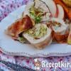 Göngyölt csirkemell zsályás alma-bacon töltelékkel - paleo