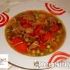 Vargányás sertésragu leves