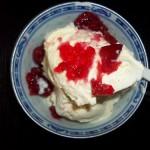 Vanília fagylalt cseresznye jammel vodkával 1