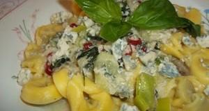 Fehérboros kéksajtos gombás tortellini