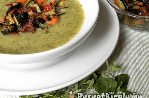 Cukkinikrémleves sült zöldségekkel