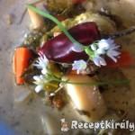 Erdélyi tárkonyos medvehagymás zöldségleves 1