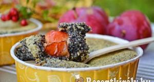 Mákos mini pite szilvával, vörös áfonyával – Paleo