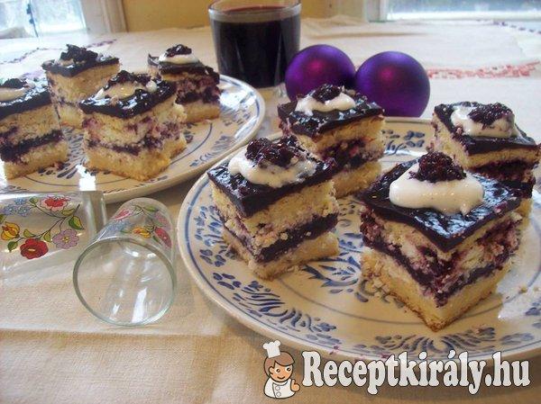 Vörösboros fekete szedres sütemény
