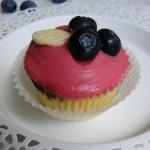 Áfonyás-fehércsokis cupcake 1