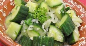 Hagymás, petrezselymes uborkasaláta
